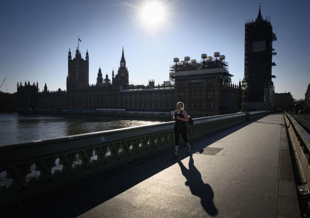 英国强制隔离措施缩短至5日
