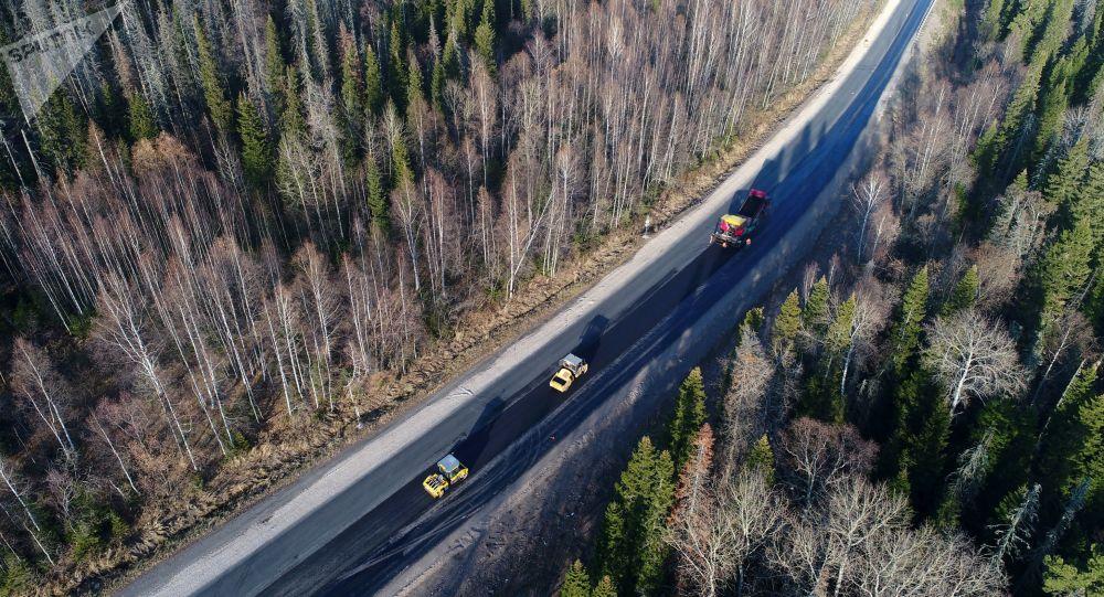 俄总理称将从俄国家福利基金拨超21亿美元建设莫斯科-喀山公路