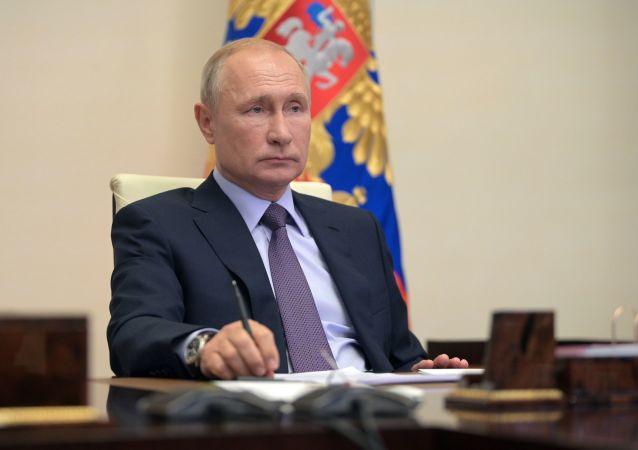 普京16日的克里米亚之行将推迟到20日