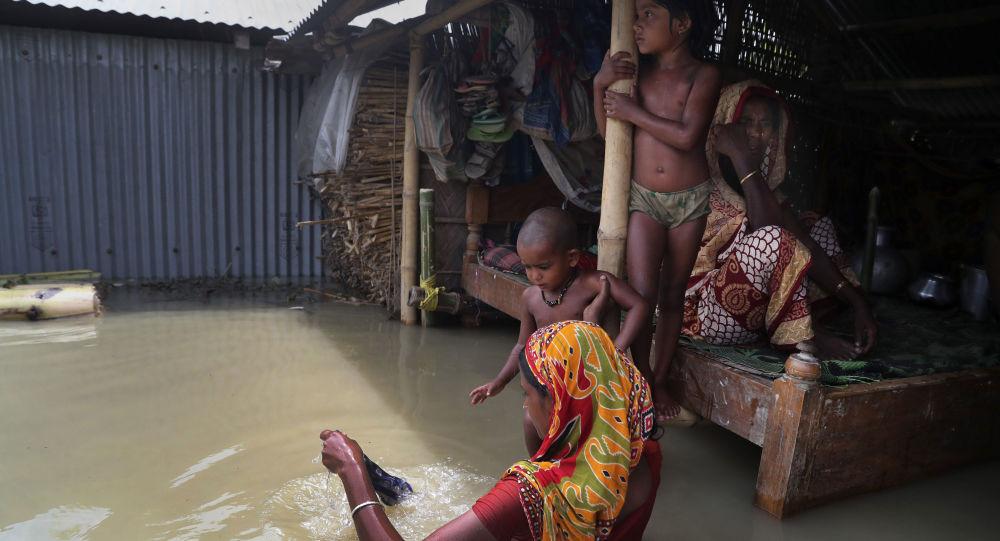 普京就洪灾向印度领导人致慰问电