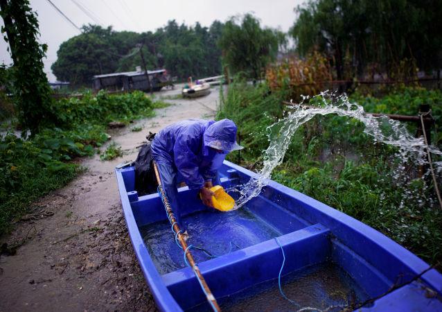 越南就洪灾向中国捐款10万美元