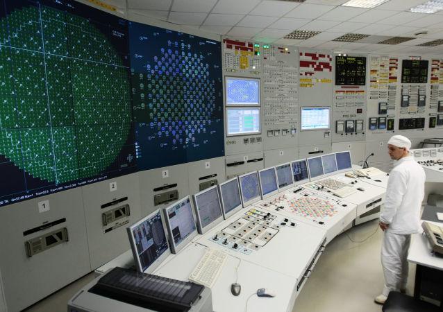 俄列宁格勒第二核电站2号新堆堆芯装料工作启动