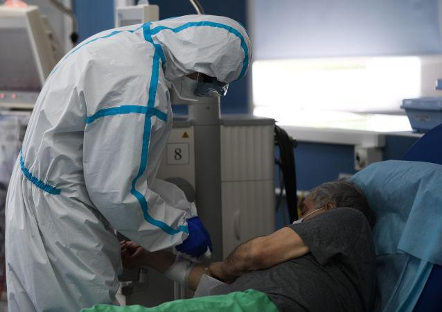 俄防疫指挥部:俄单日新增新冠病毒确诊病例5061例 累计达917884例