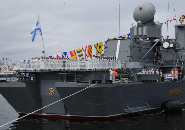 俄海军节阅兵式在符拉迪沃斯托克和堪察加举行