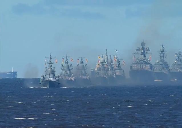 普京向海军官兵表达节日祝贺