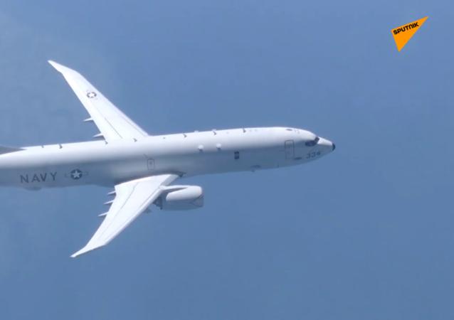 美国侦察机飞越黑海上空