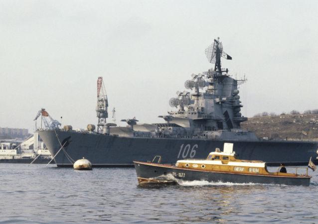 塞瓦斯托波尔市长:黑海舰队不断补充新战舰