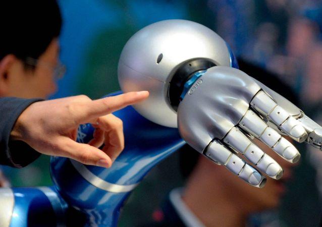 """""""百人长""""未来战士作战装备中或将引入人工智能技术"""