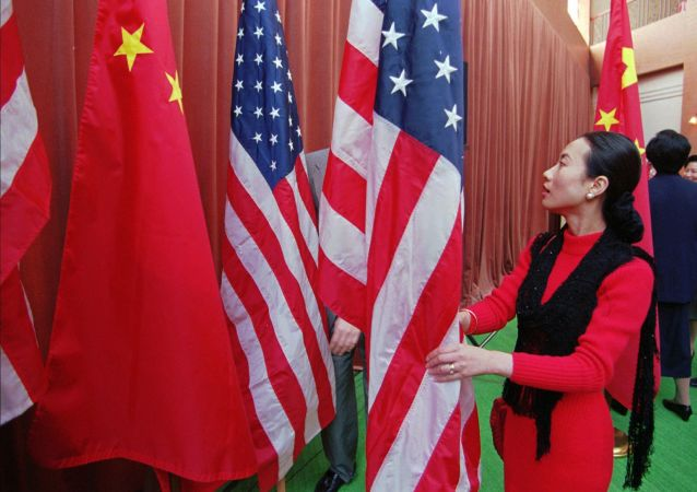 专家:美国将在几年后停止与中国对抗