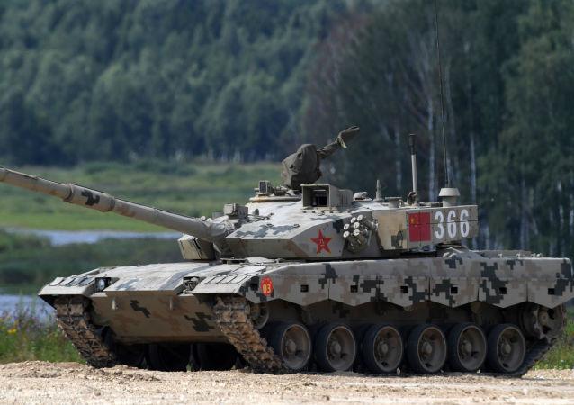 """""""坦克两项""""单车赛中方坦克将采取绿色涂装亮相赛场"""