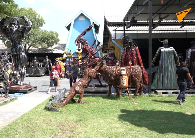 泰国巨型变形金刚