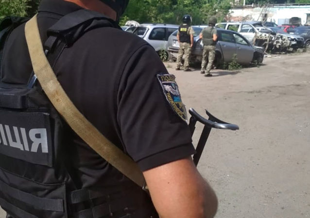乌克兰内务部:在波尔塔瓦劫持警察为人质的男子被消灭