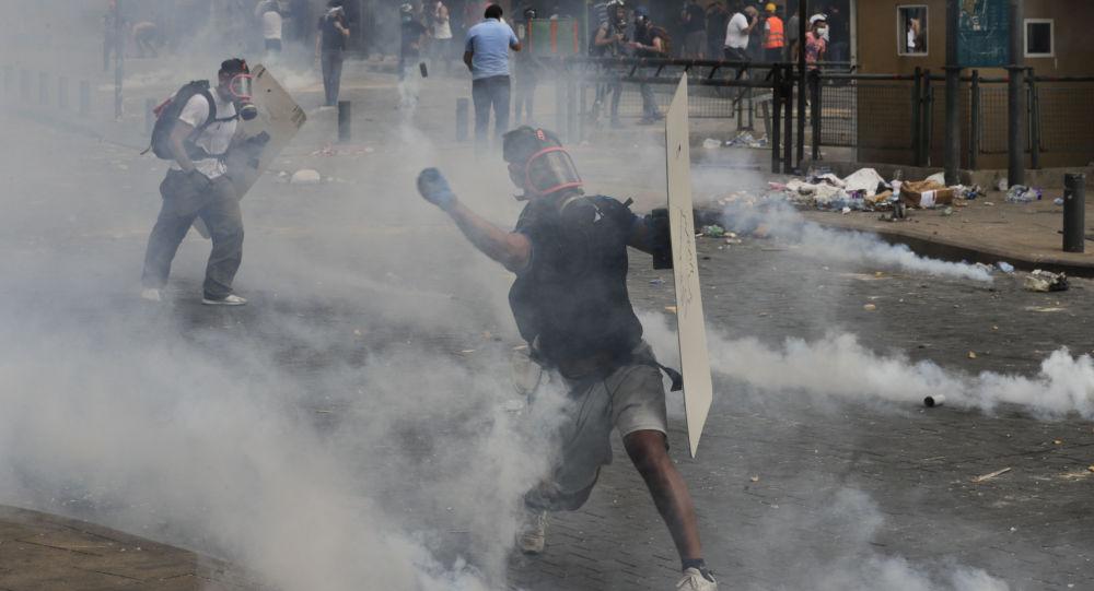 媒体:贝鲁特抗议者与执法人员冲突的受伤者超700人