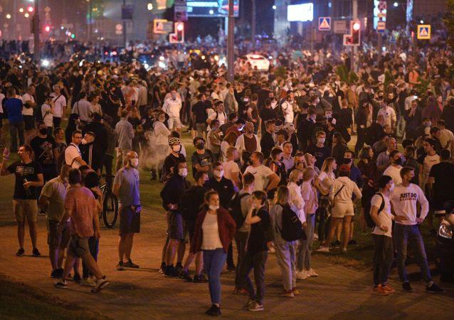 曝明斯克抗议活动中出现首名死者