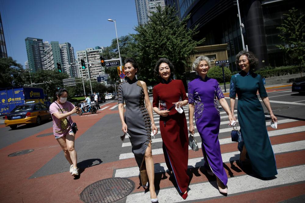 """Glamma Beijing""模特组合在北京街头"