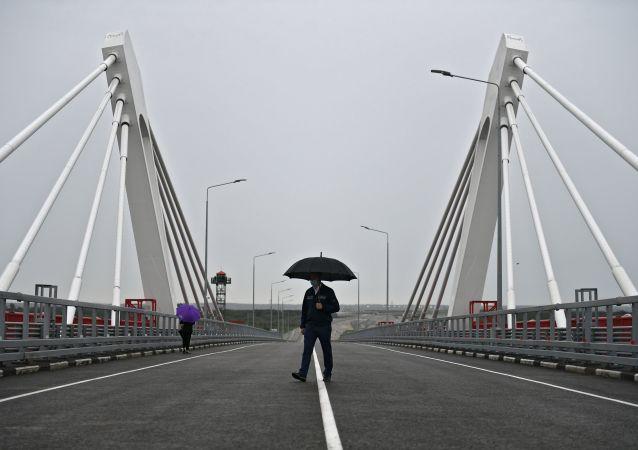 俄中布拉戈维申斯克—黑河界河公路大桥