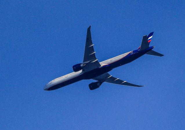 一架载有26名从叙返俄儿童的飞机在莫斯科州降落