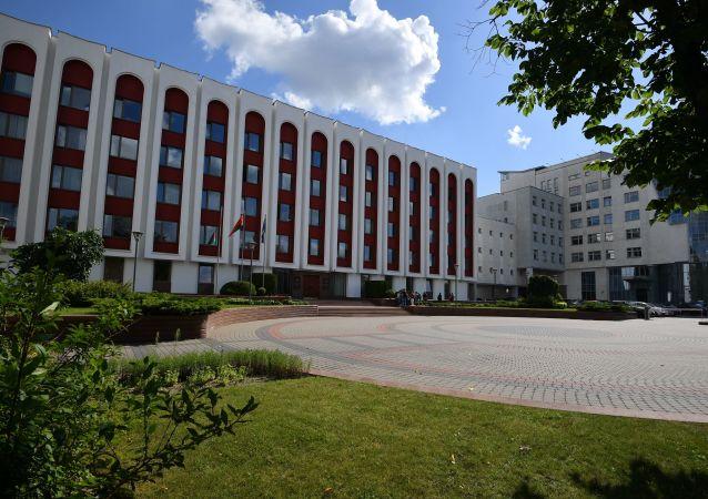 白俄罗斯外交部:明斯克未放弃向美国派出大使的计划 寻找人选已近尾声