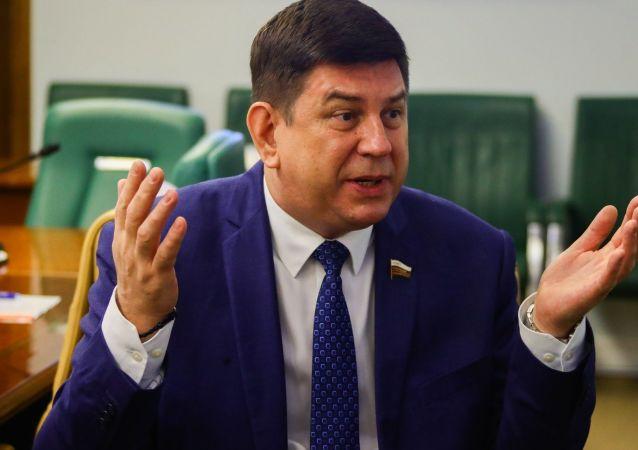 斯米尔诺夫