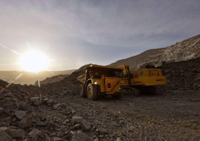 中国紫金矿业启动哥伦比亚大型金矿项目