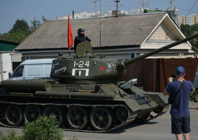 纪念二战结束75周年阅兵式在南萨哈林斯克进行