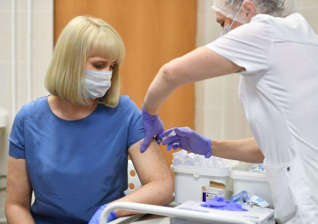 《柳叶刀》杂志建议俄罗斯疫苗研发人员对批评做出答复