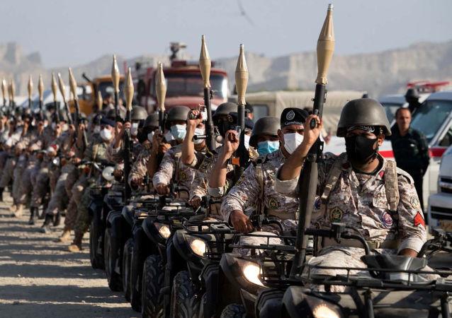 伊朗在阿曼湾进行了军演