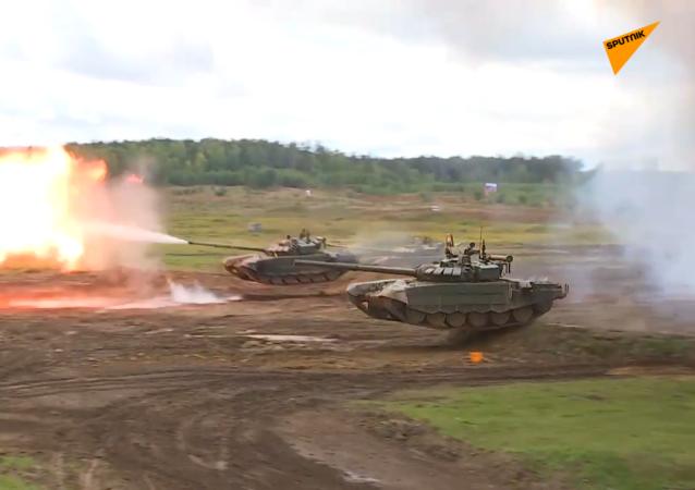"""T-72BZM坦克""""飞行"""""""