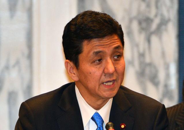 安倍晋三的弟弟将出任日本新内阁防卫相