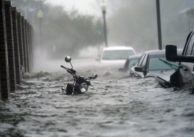 大多数美国人认为该国的火灾和飓风与气候变化有关