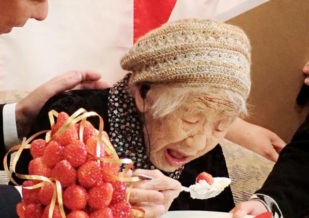 世界上最年长老奶奶打破长寿纪录