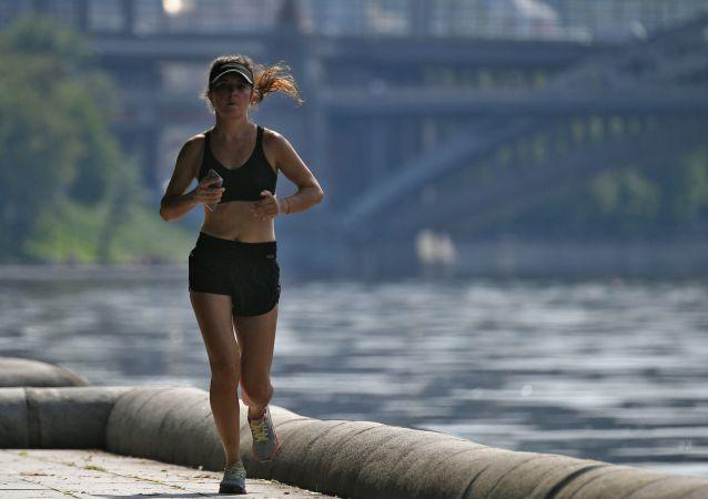 民调:逾三分之一俄罗斯民众定期慢跑 主要为健康