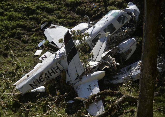 美国得州一架轻型飞机坠毁造成4人遇难