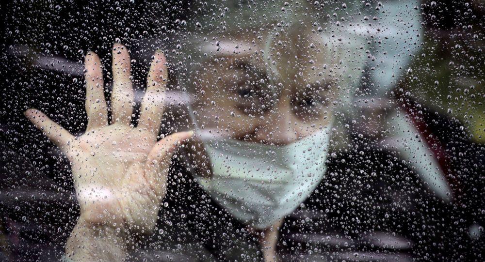 科学家发现新冠病毒传播的主要条件