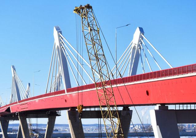 俄阿穆尔州州长期望俄中布拉戈维申斯克-黑河界河公路大桥将于1月开通