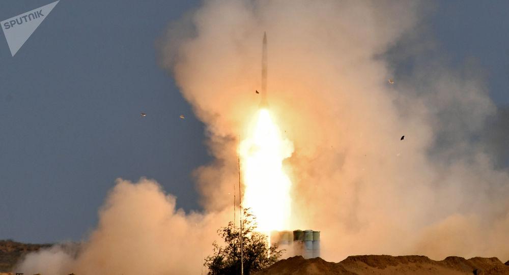 俄军S-400防空导弹
