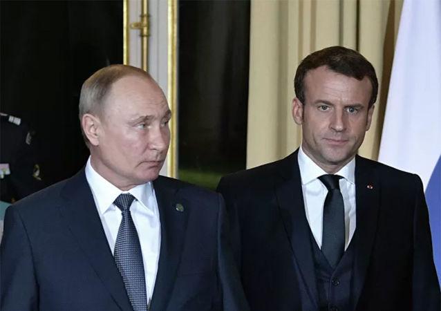 俄罗斯总统普京与法国总统马克龙