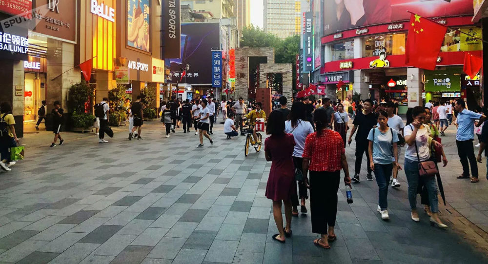 中国自9月28日起允许持有效工作类、私人事务类和团聚类居留许可的外国人入境