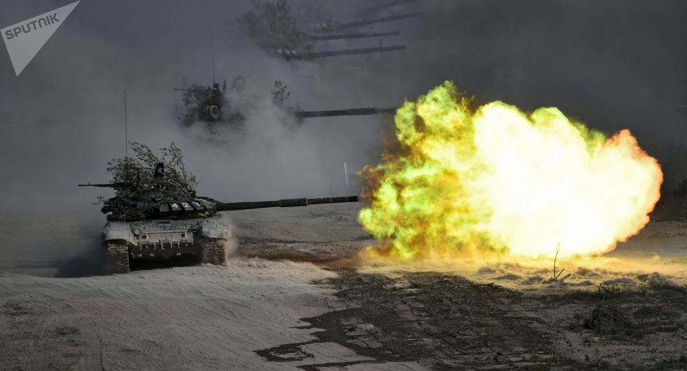 """俄白中三国部队在""""高加索-2020""""演习中演练侧翼打击"""