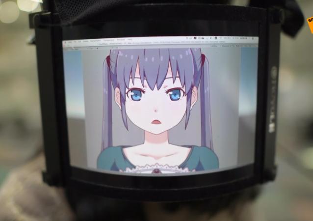 日本学生发明带有屏幕的面罩 可把面部表情制成动漫头像