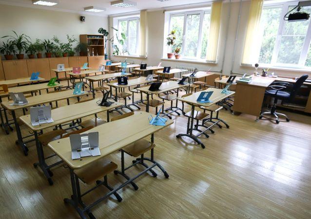 俄堪察加边疆区因新冠疫情将延长中小学生秋季假期