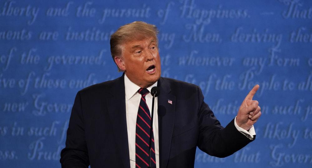 美国总统特朗普在电视辩论期间