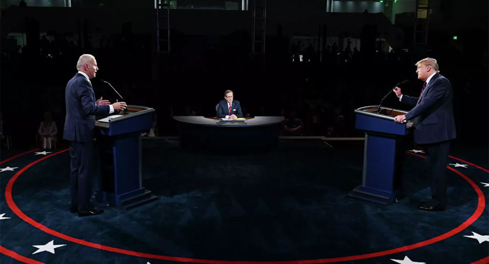 美媒:助手劝特朗普在辩论中不要打断拜登