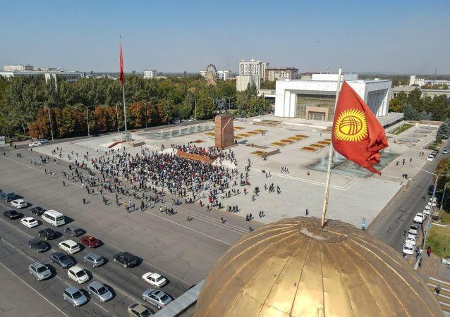 吉尔吉斯斯坦总统大选提前至明年1月10日