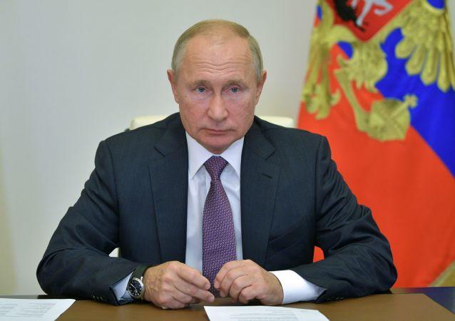 俄总统普京称必须努力提高国民寿命