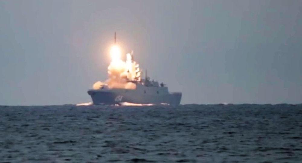"""高超音速巡航导弹""""锆石""""成功地击中了巴伦支海上的目标"""