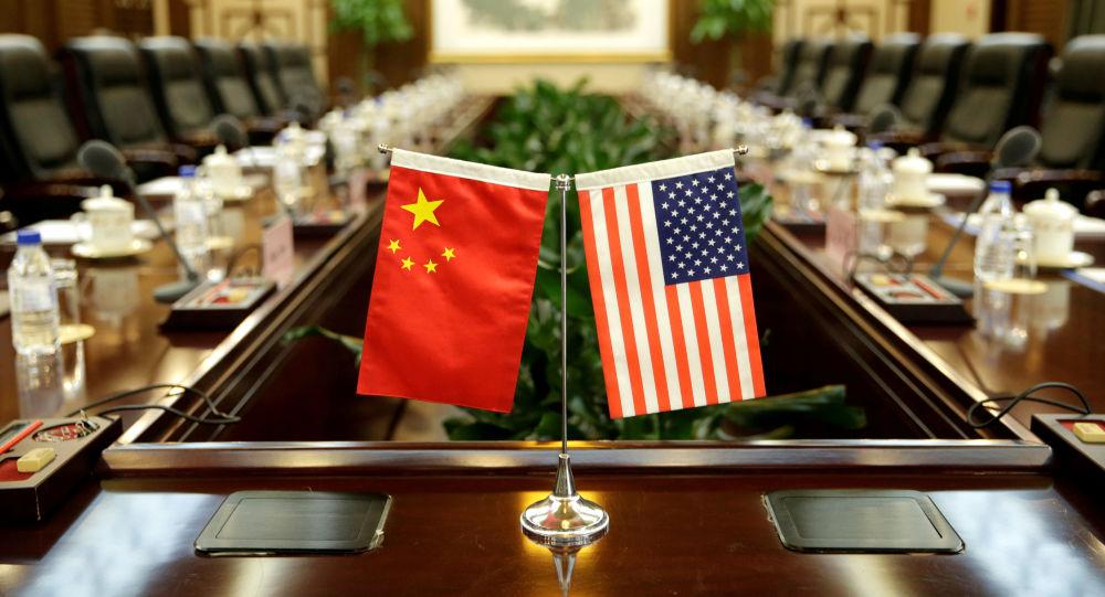 """美禁止对""""中国军方控制企业""""投资 中国商务部:中方对此坚决反对"""
