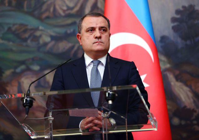 阿塞拜疆外交部长巴伊拉莫夫