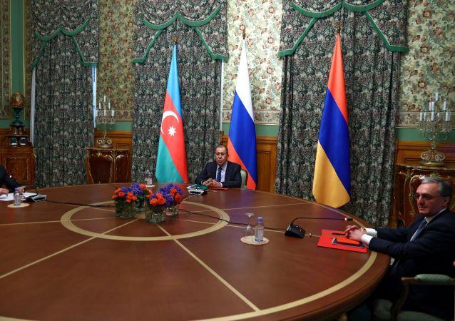 亚美尼亚外长:俄在达成纳卡停战协议方面起到特殊作用