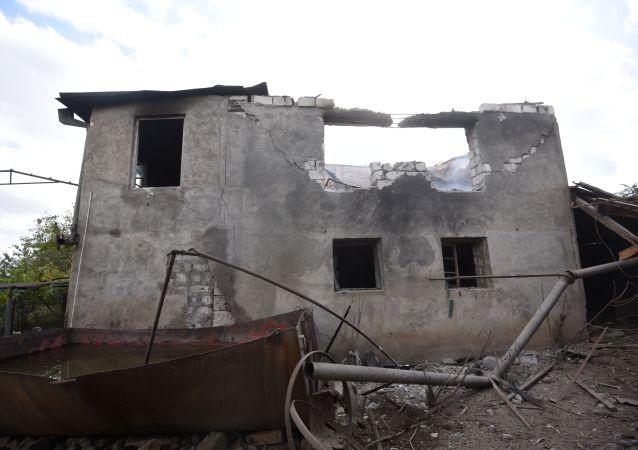 """阿塞拜疆国防部称消灭亚美尼亚军队的""""合法军事目标"""""""